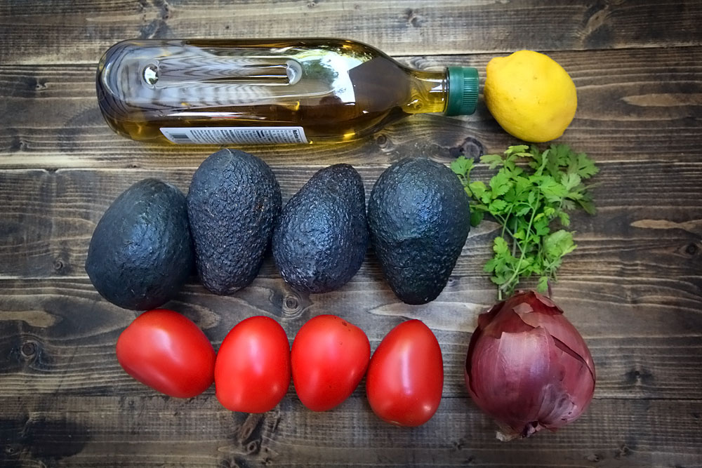 tomato avocado salad ingredients