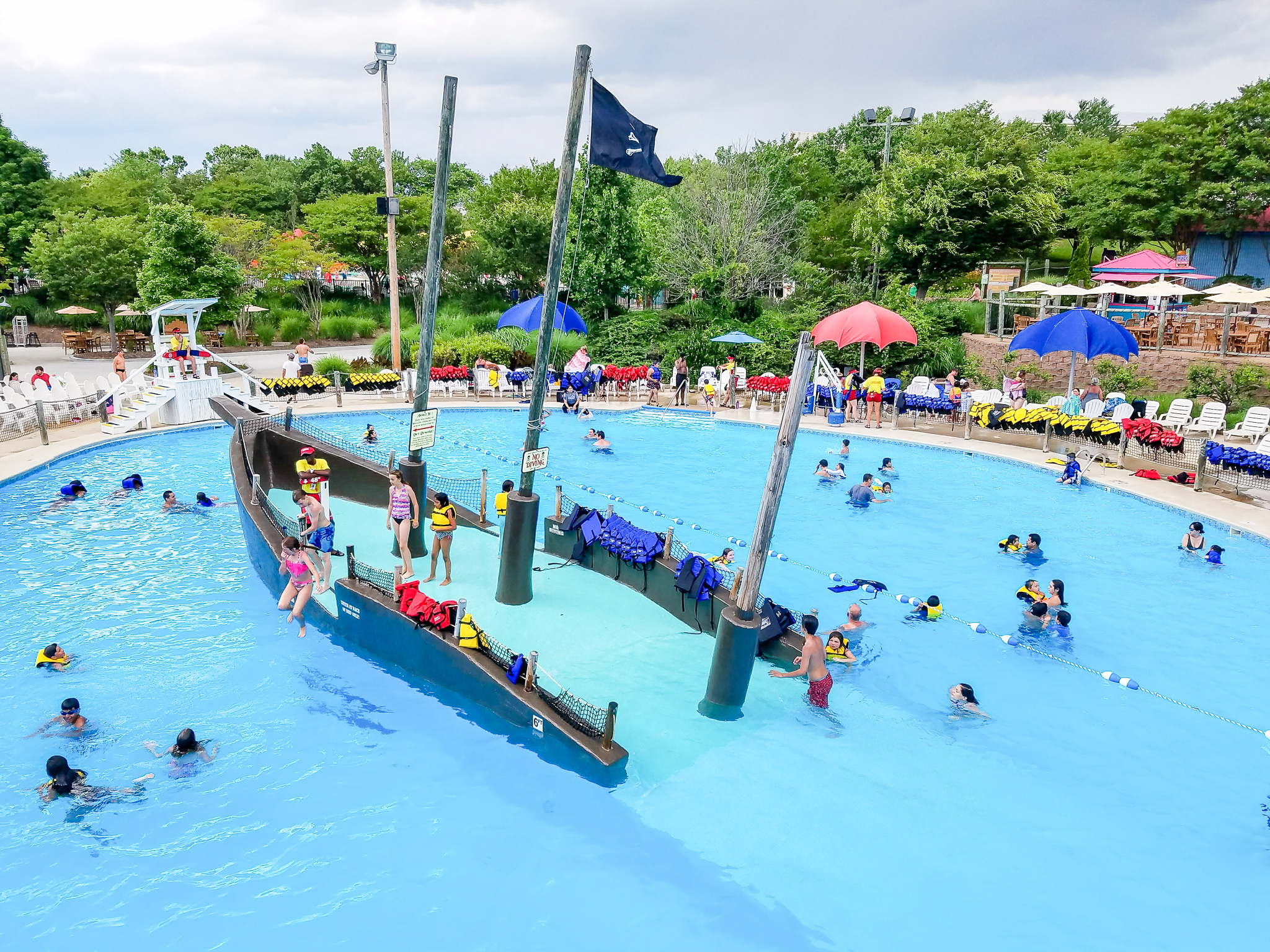 Summer is Here! It's Time to Visit Wet'N Wild Emerald Pointe
