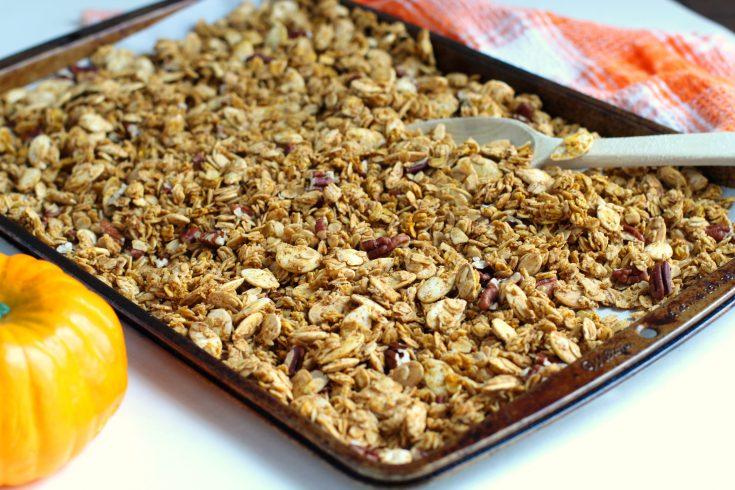 Pumpkin Spice Granola Recipe (Gluten-Free)
