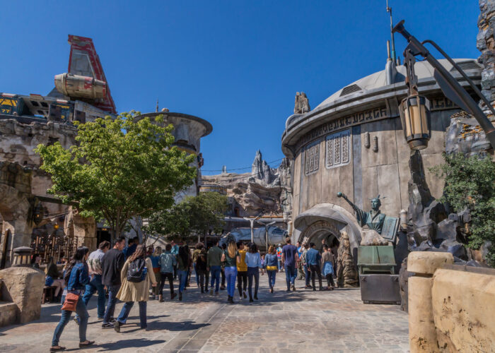 Star Wars: Galaxy's Edge — A Guide for Your First Visit to Black Spire Outpost