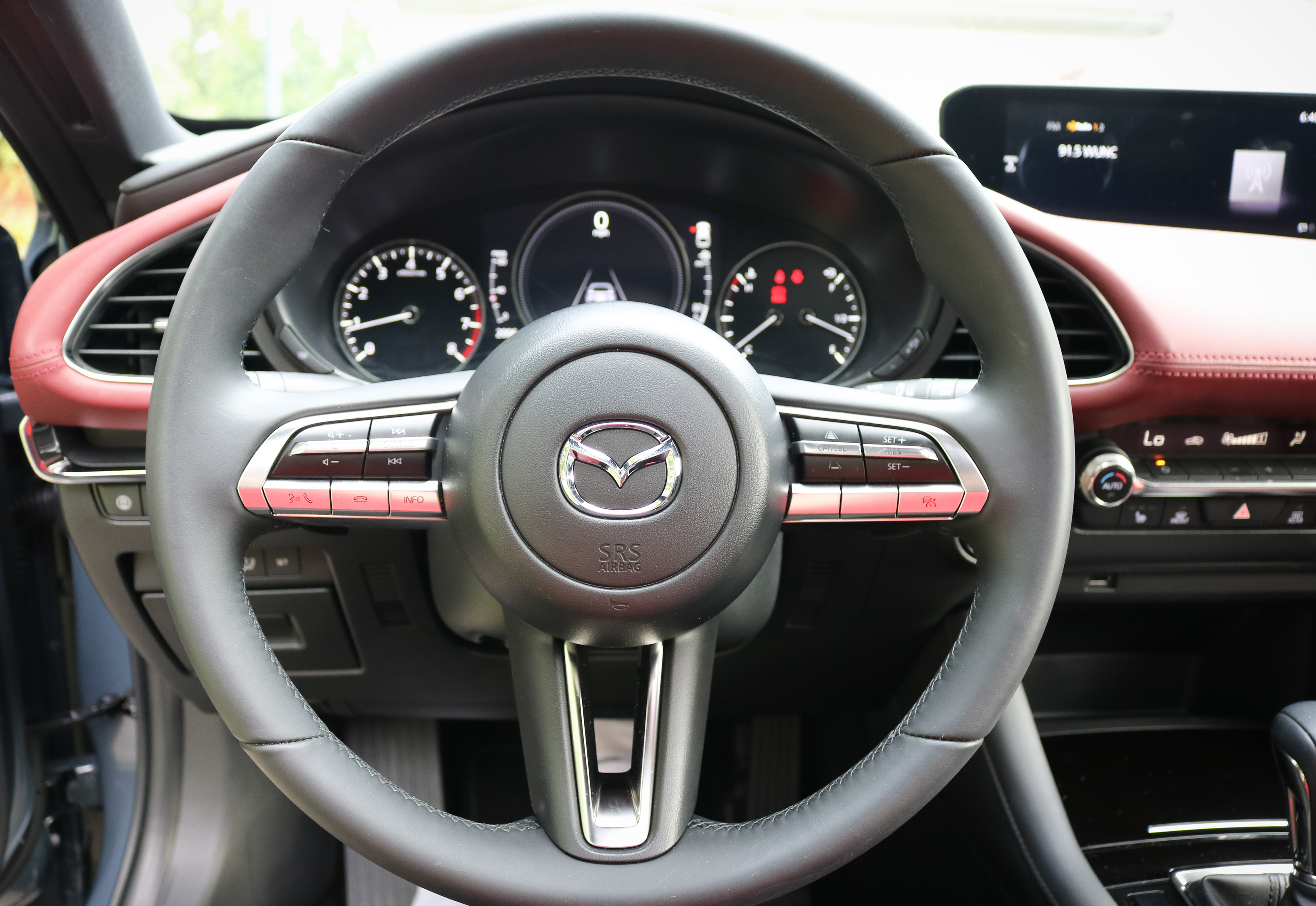 Mazda 3 hatchback two-tone interior