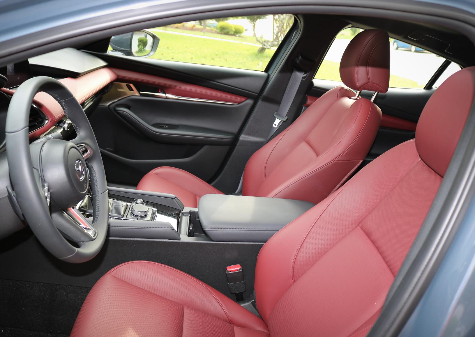 Mazda3 two-tone interior