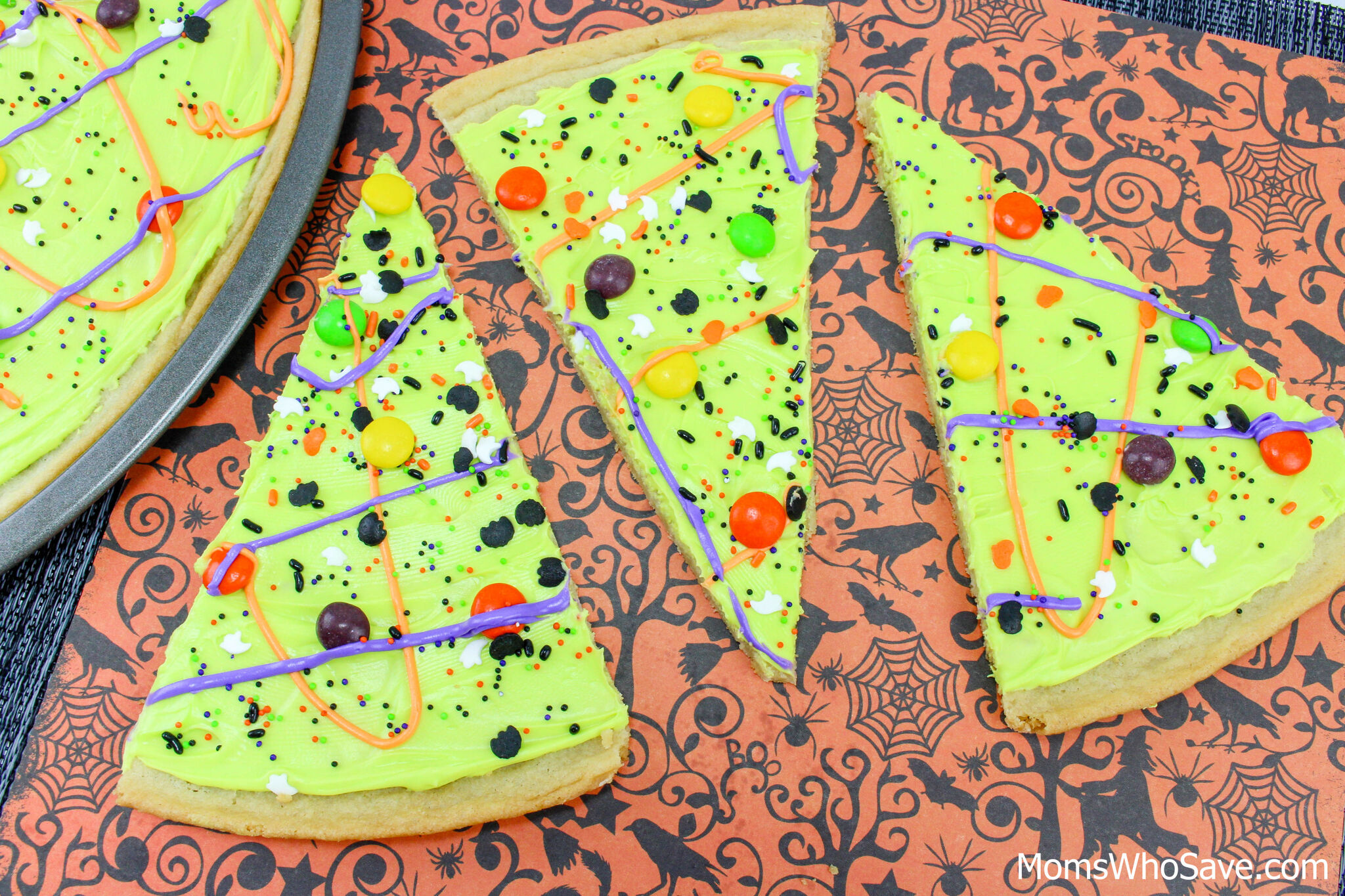 Cookie Pizza for Halloween
