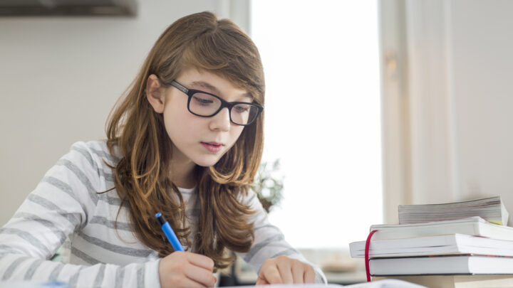 How Parents Can Help Children Who Struggle with Homework