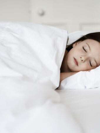 how to help kids develop good sleep habits