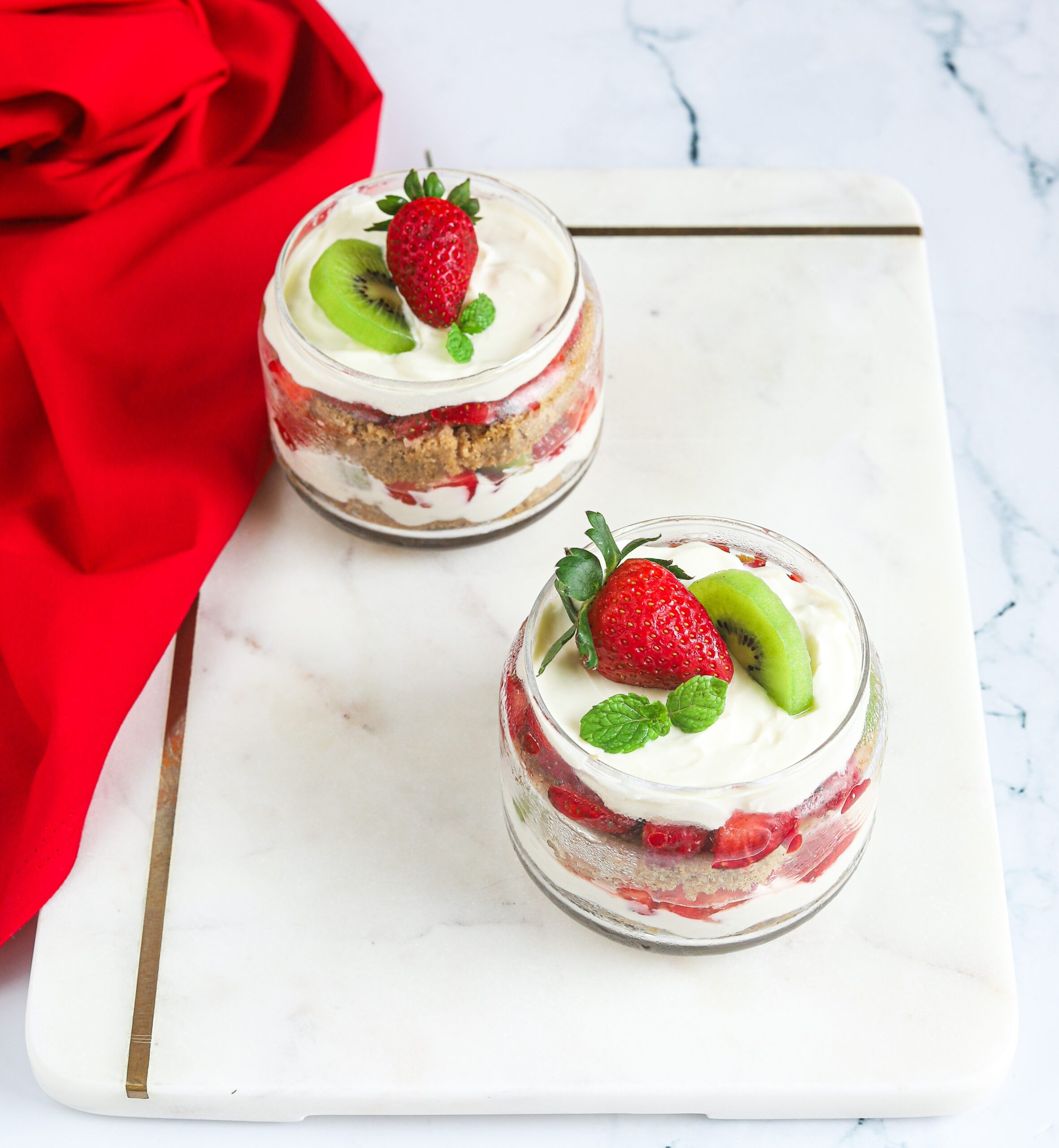 Trifle Recipe with sponge cake and fruit